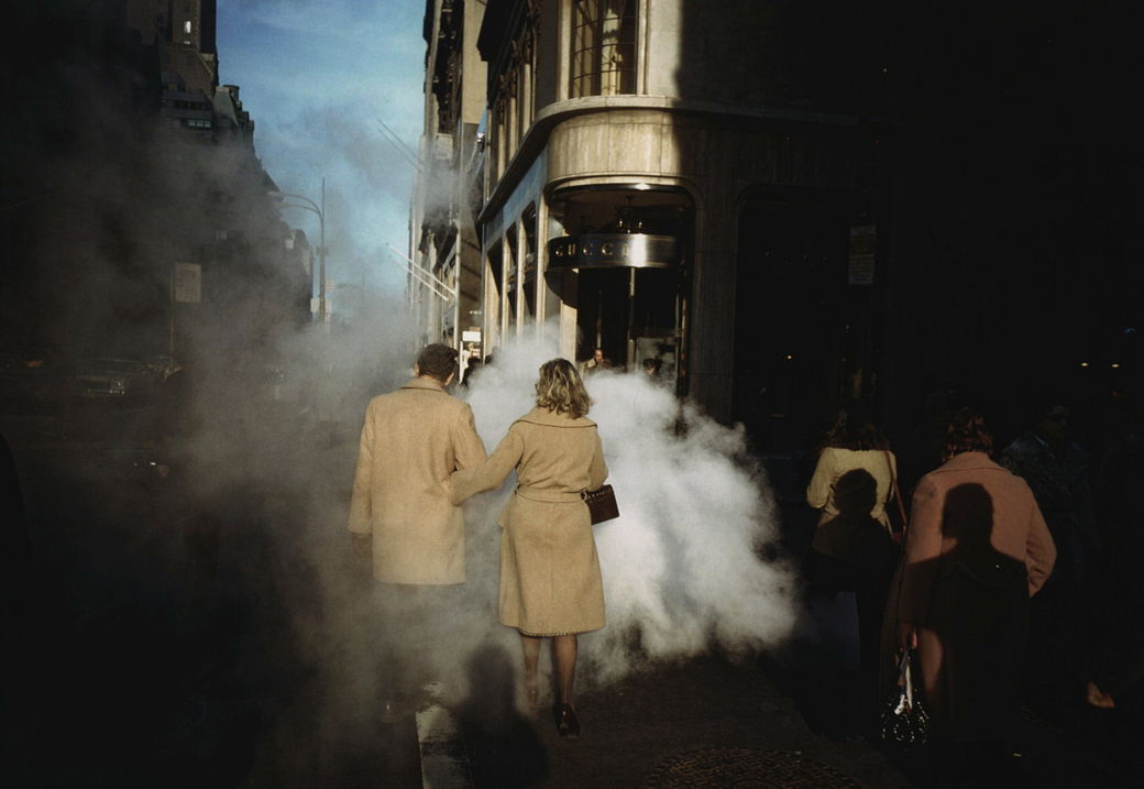 Joel-Meyerowitz-Camel-Coats-New-York-City-1975-Courtesy-Beetles-Huxley_x1040