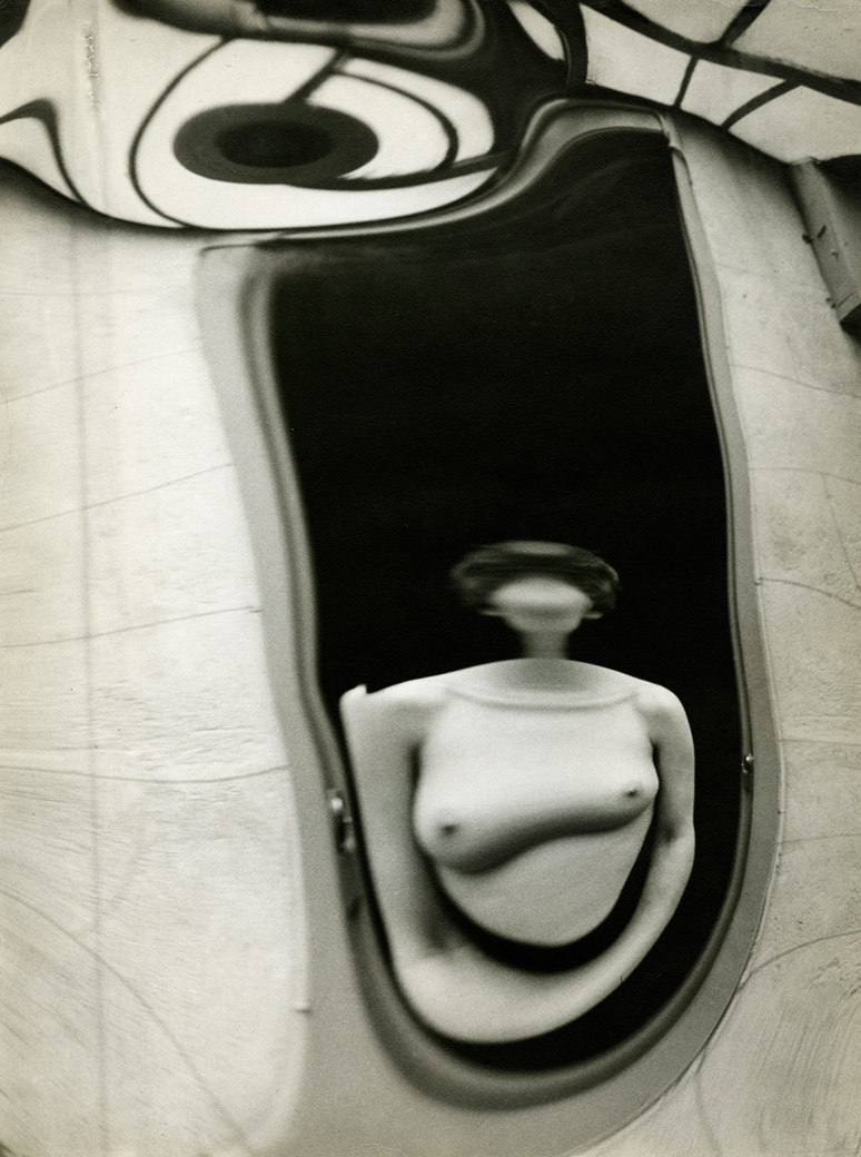 Andre-Kertesz-Distortion-no-200
