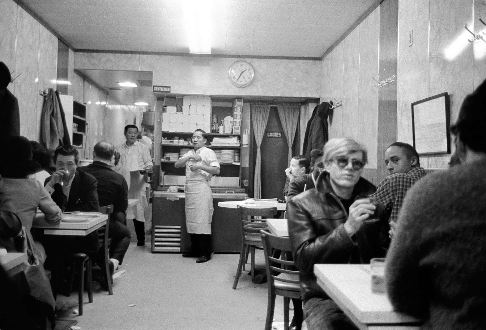 StephenShore-1-35am-ChinatownRestaurant-NYC1965-67