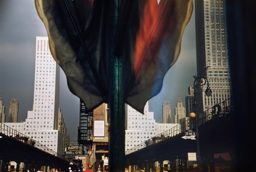 ErnstHaas-3rdAvenue-Reflection-NYC-1952